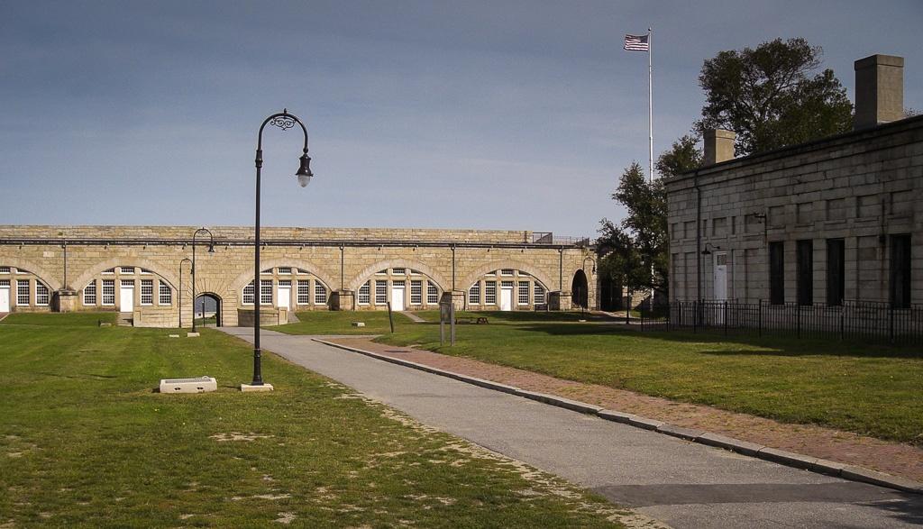 Innenhof des Fort Adams