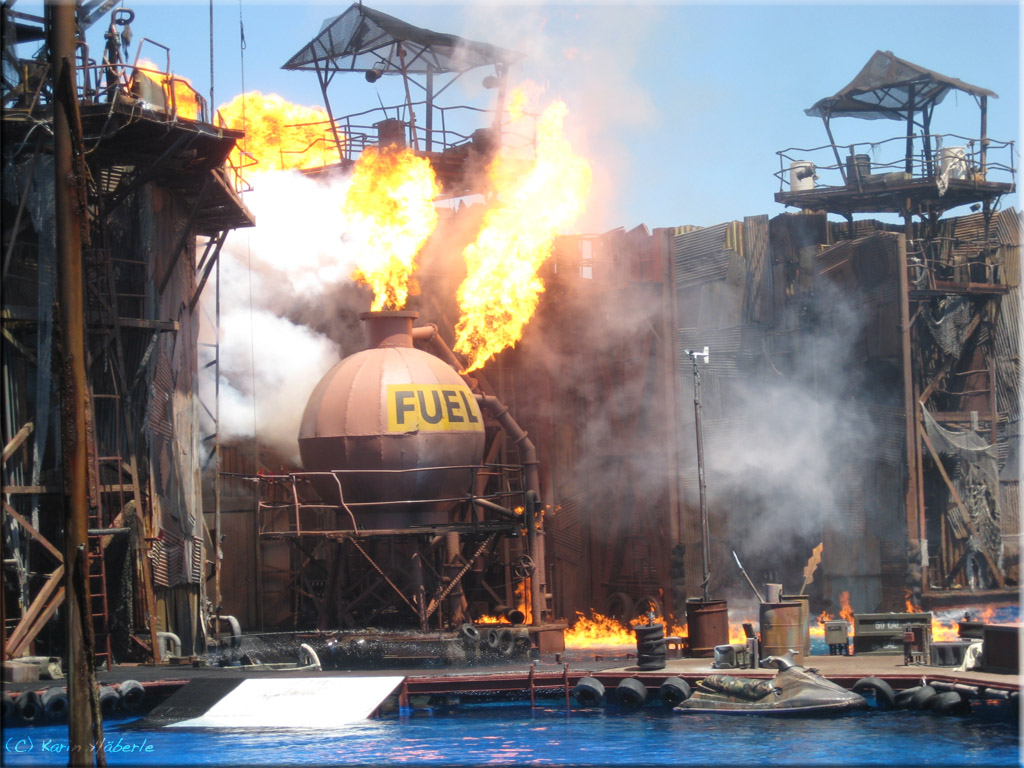 Waterworld Show Universal Studios