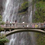 Brücke bei den Multnomah Falls