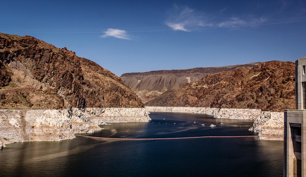 Blick vom Hoover Dam auf denn Lake Mead